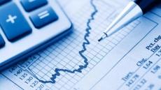 La avalancha de salida de dinero en fondos se reduce a la mitad en enero